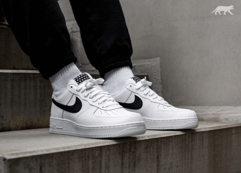 buy online bf779 f25d5 Nike Air Force 1  07 Low Pivot  Black Stars