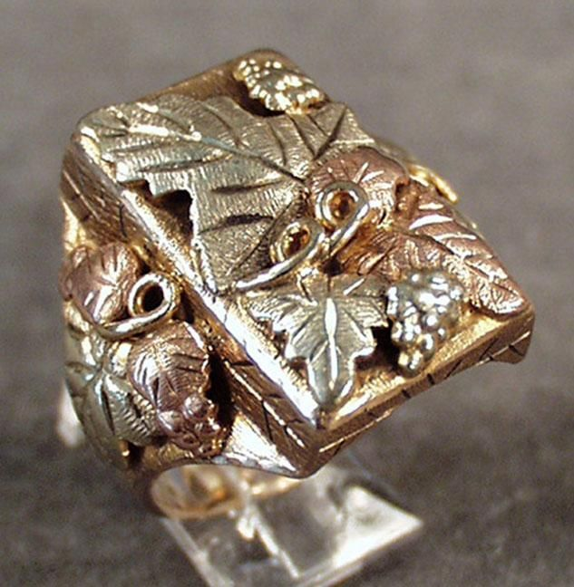 Vintage Black Hills Gold Ring 10k 12k Visually Large Size