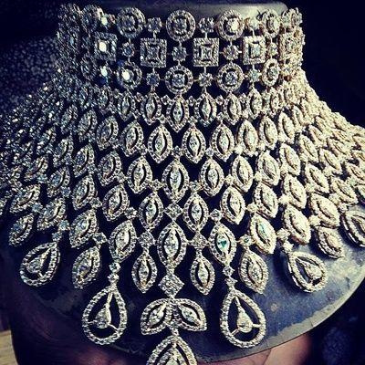 Diamond Studded Statement Choker Necklace In 2020 Bridal Jewelry