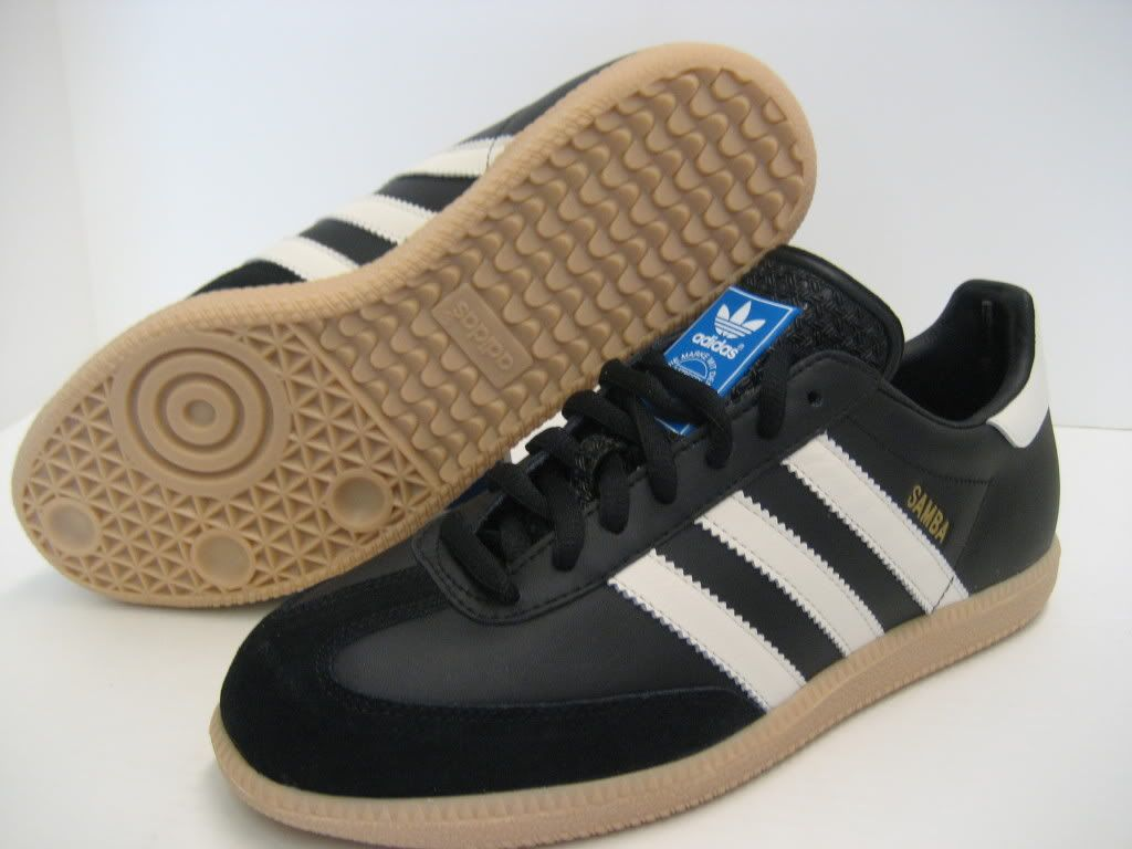 Adidas Men's Samba Classic Soccer Shoe Features : Leather. Rubber sole.