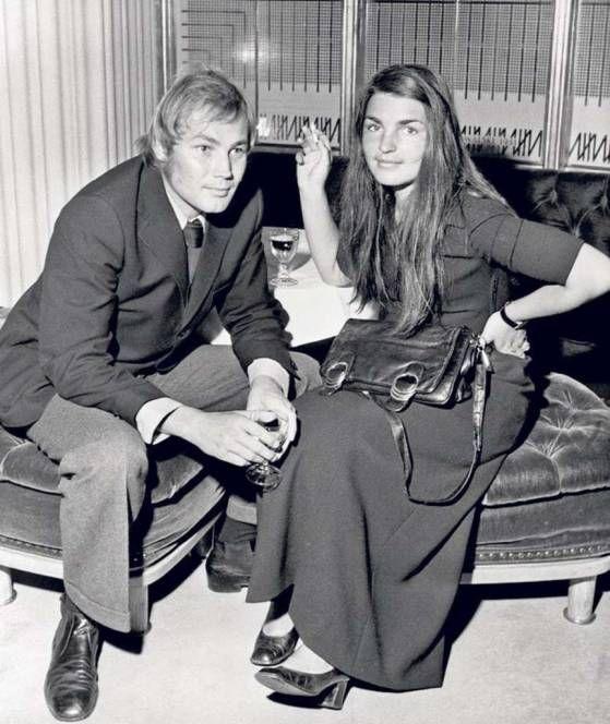 klaus maria brandauer mit seiner ersten gro en liebe karin 1970 sie kannten sich 40 jahre. Black Bedroom Furniture Sets. Home Design Ideas