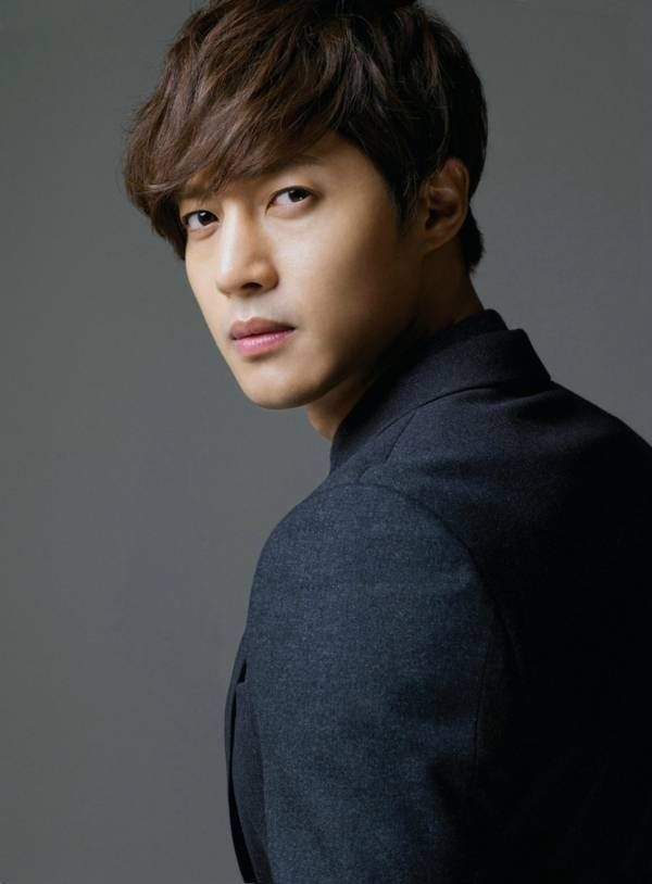 Kim Hyun Joong Estimated release: February 11, 2017 11 Korean celebrities who enlisted in the military in 2015