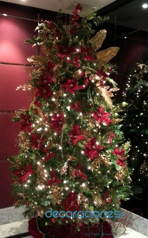 Rbol de navidad decorado en color y dorado 2013 navidad for Arboles navidenos decorados