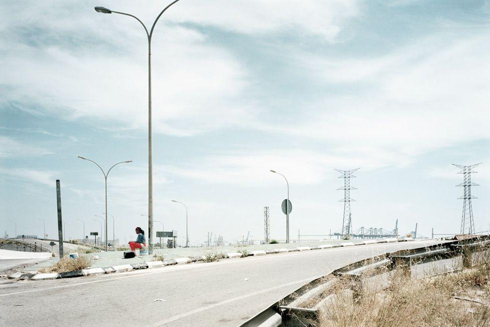 "Fotos del reportaje ""The waiting time"" donde Txema Salvans retrata a las prostitutas que trabajan en la periferia de las ciudades.: Txema Salvans :."