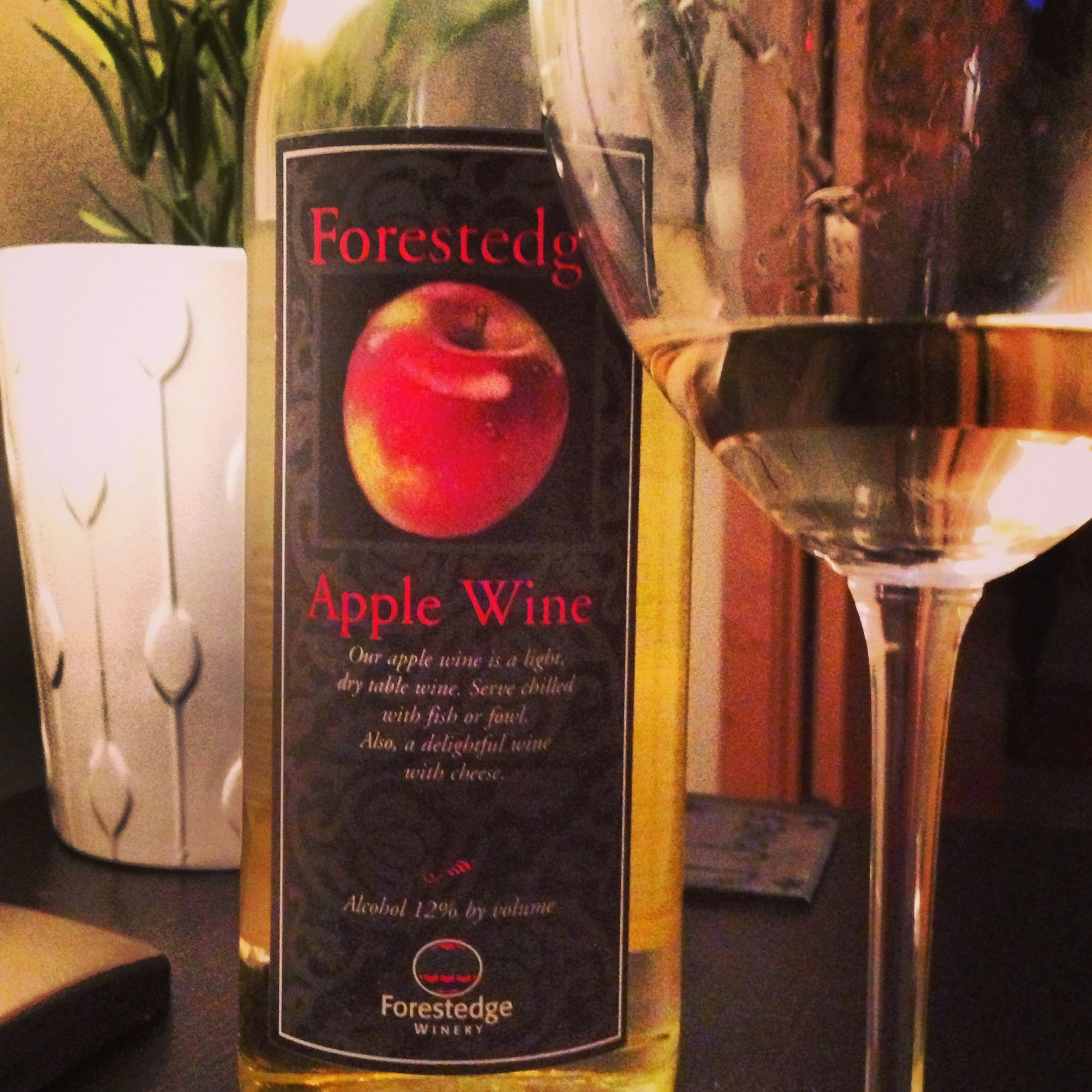 Forestedge Apple Wine Laporte Mn Hints Of Sweetness Surround This Plump Apple Y Mn Vino A Perfect Pairing To Obvi Apple Wine Apple Desserts Wine Bottle