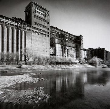Montréal. Les silos by Mimmo Jodice