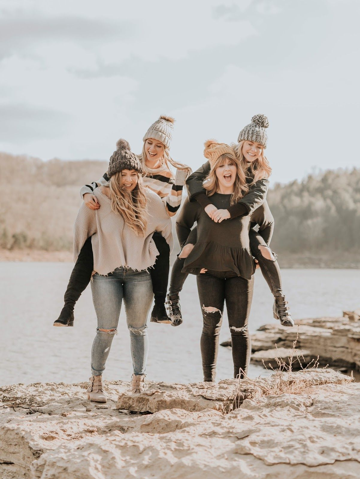 9 Best Friend Poses For Your Instagram | Best friend poses ...