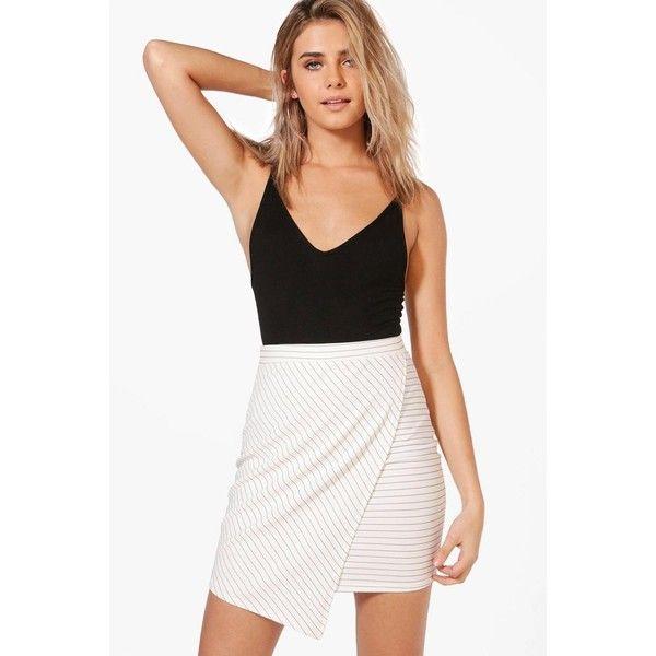 Boohoo Loren Monochrome Asymetric Mini Skirt ($14) ❤ liked on Polyvore featuring skirts, mini skirts, pleated mini skirt, pleated maxi skirt, white short skirt, white pleated mini skirt and pleated skirt