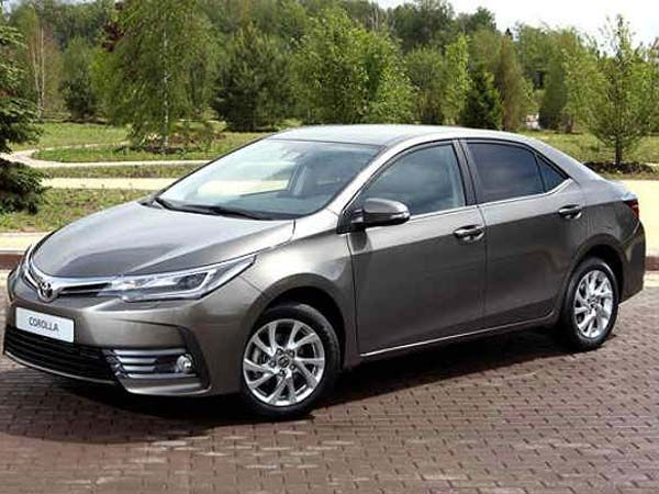 Toyota Corolla Altis Facelift Launched In Malaysia India Launch In 2017 Toyota Corolla Bmw Engines Toyota