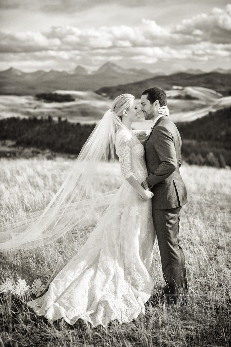 Rustic summer wedding at ranch at rock creek vaulting wedding
