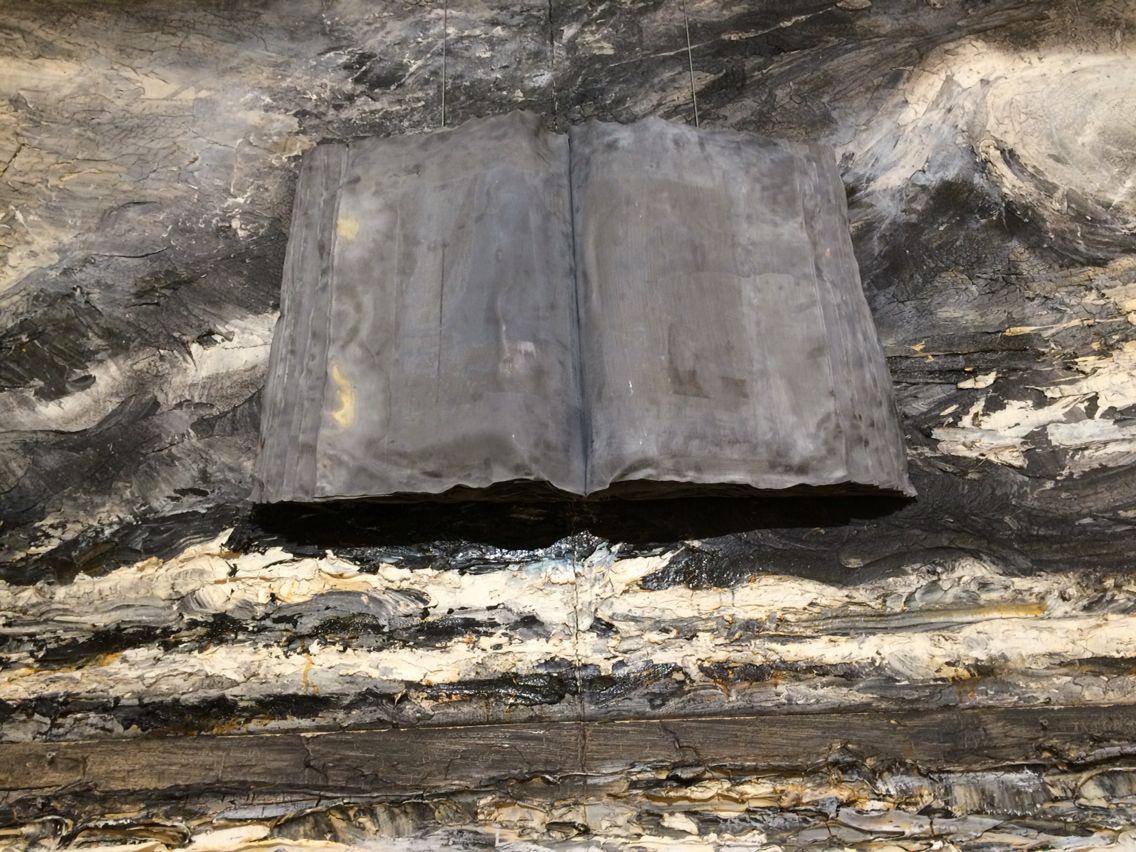 """Exposition """"l'alchimie du livre"""", Anselm Kiefer, BnF, Paris, hiver 2015."""