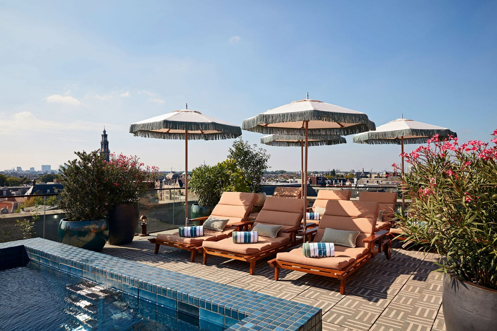 Hotel Zwembad Op Dak Amsterdam Soho House Amsterdam Design Outdoor Furniture Soho House