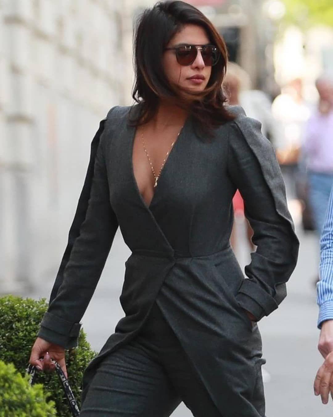 Priyanka Chopra And Nick Jonas Land In Paris To Attend Joe