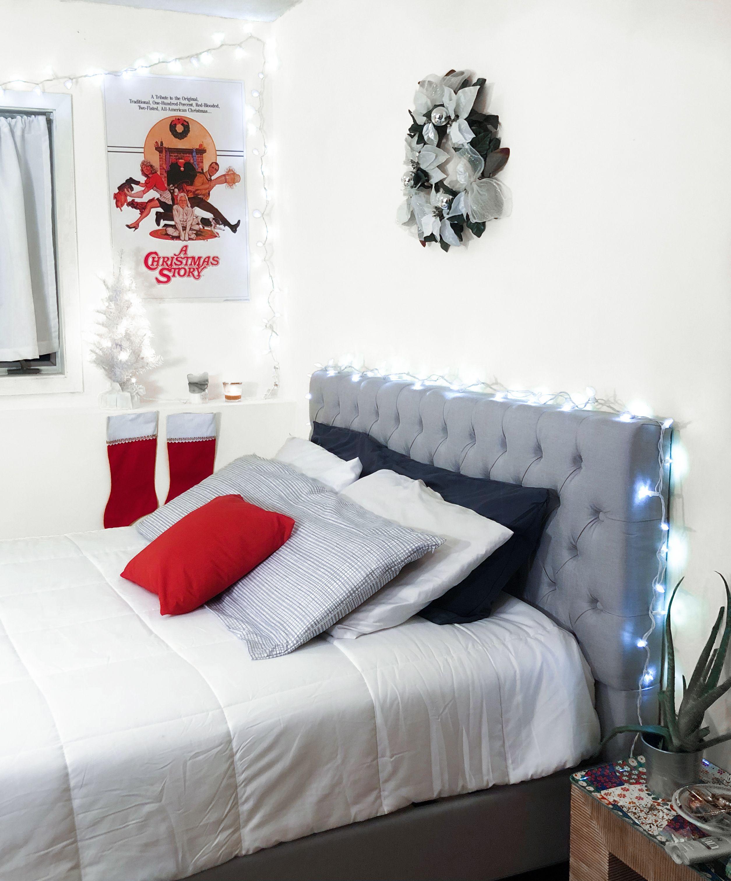 Zinus Upholstered Grand Button Tufted Platform Bed Frame