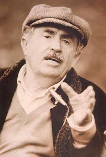 Tonino Guerra (oltre le sceneggiature che lo hanno reso noto, vinse, nel 1950, il Premio Cattolica per la poesia dialettale, insieme a Pier Paolo Pasolini