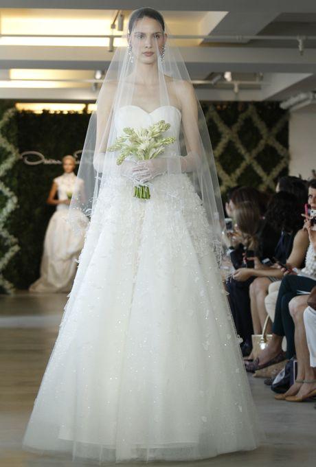 Brides: Oscar de la Renta - Spring 2013