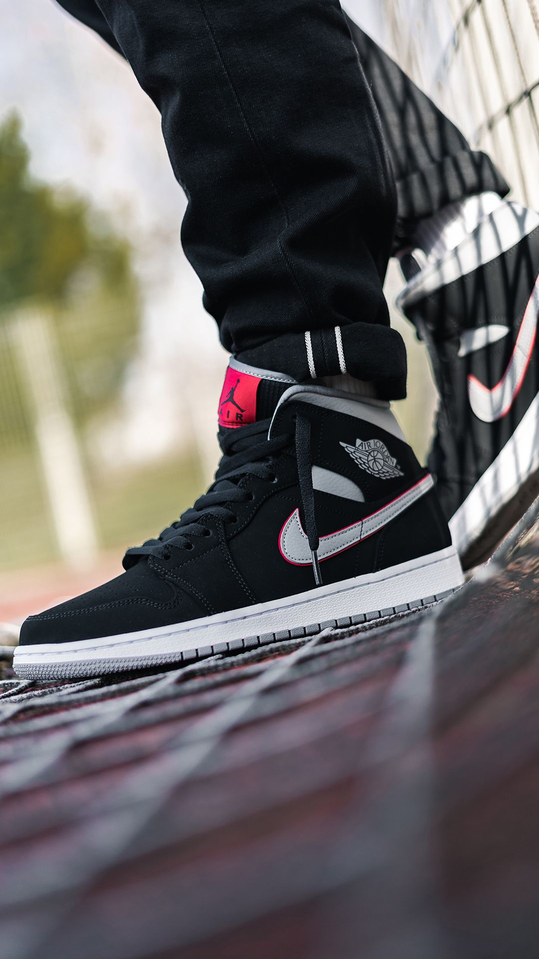 5456bb6732f Nike Air Jordan 1 Mid