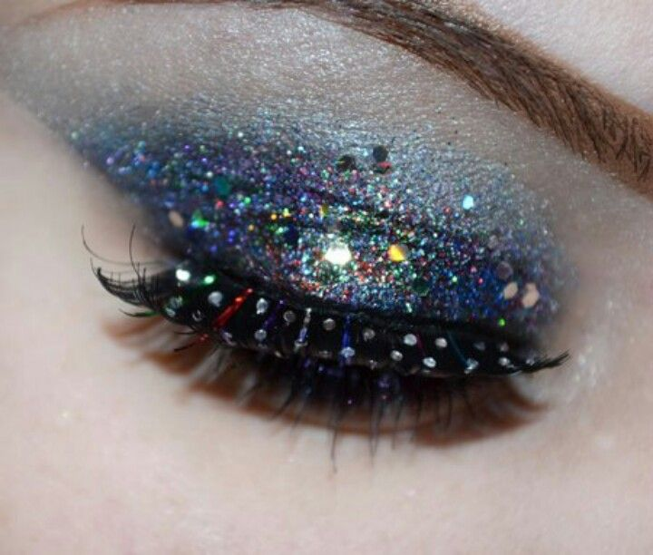 Dazzling Eye Makeup Made Easy How To Apply Loose Glitter 1 Begin