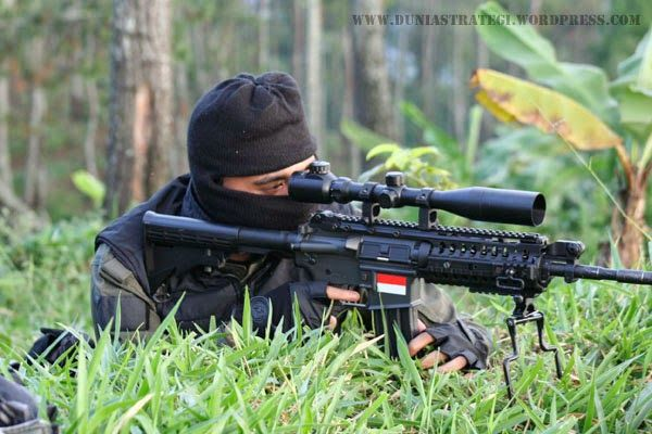 Perbedaan Sniper dengan Penembak Jitu | Rickypedia