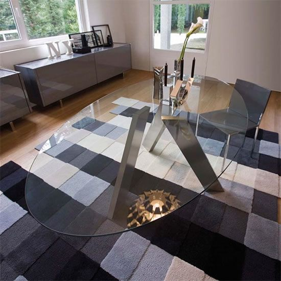 10 Marvelous Modern Glass Dining Tables To Inspire You Today Oval Glass Dining Table Glass Dining Table Oval Table Dining
