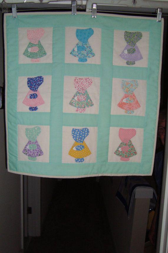 Sun Bonnet Sue wall hanging quilt, handmade #sunbonnetsue