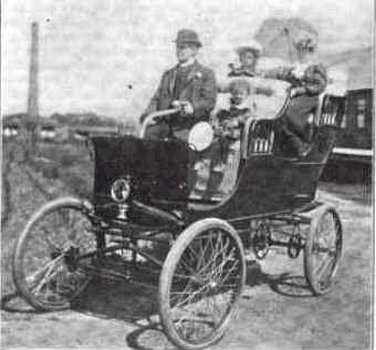 1900 Strathmore Steam Surrey.
