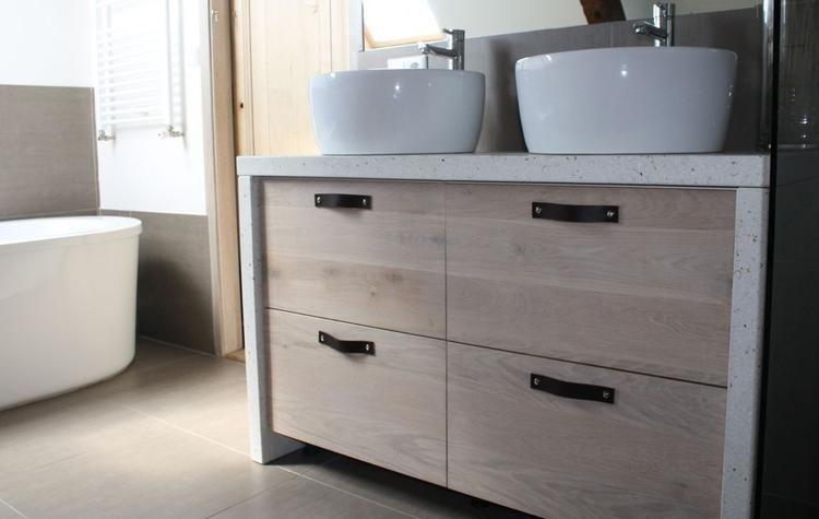 Afbeeldingsresultaat voor badkamermeubel licht hout badkamer