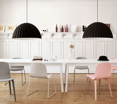 Chaise empilable Visu / Bois - Pied traineau Structure rose / assise