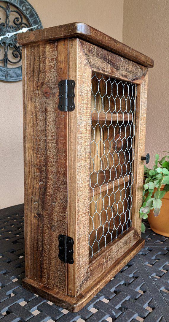 Wandschrank aus Gewürzen, Medizin, ätherischen Ölen oder Schmuckstücken aus rustikalem, w... #rusticwoodprojects
