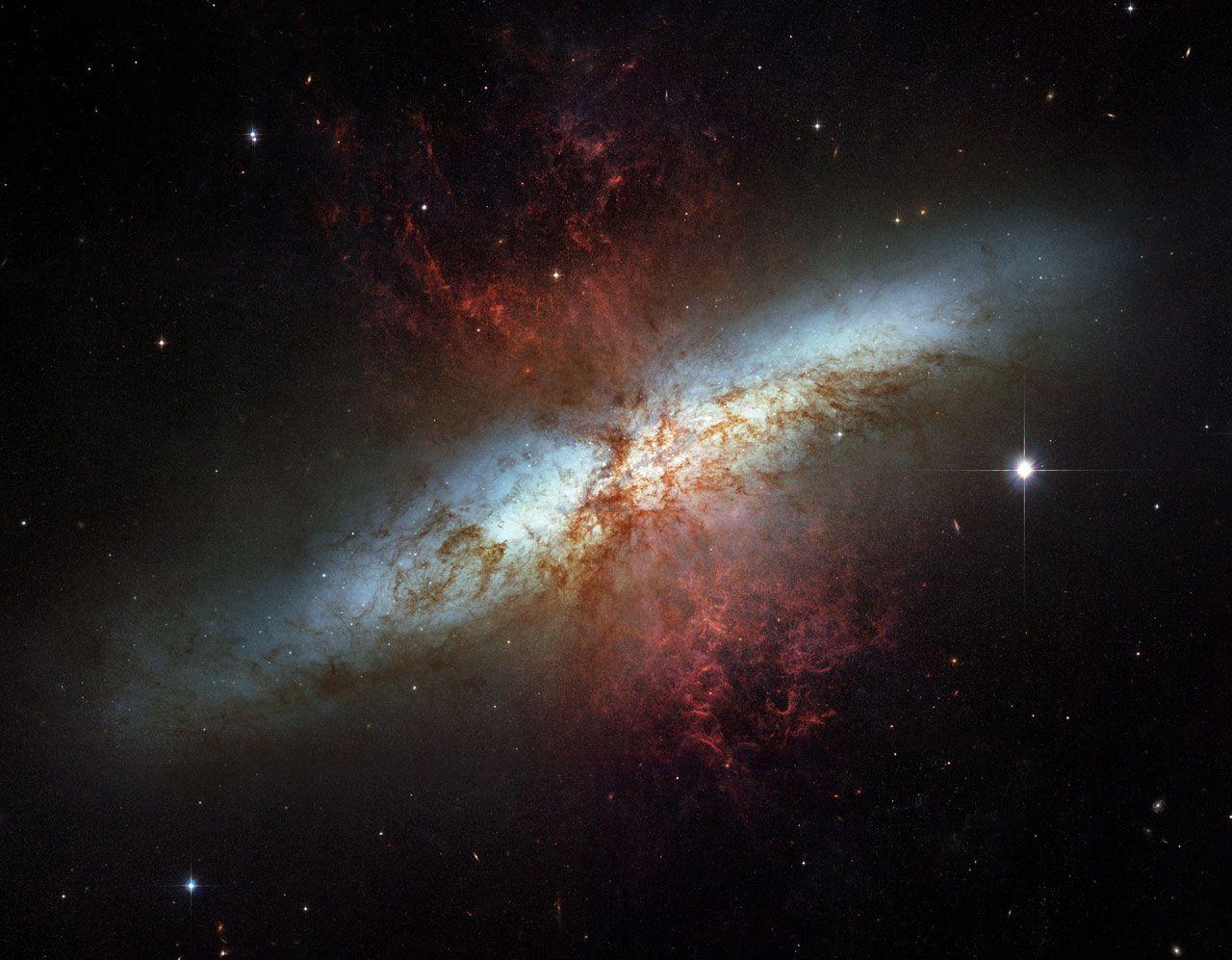 Messier 82 A Star Burst Galaxy Nature Lives Pinterest