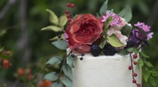 Sugar flowers & fruit with buttercream, a natural wedding - Cake by Happyhills Cakes - CakesDecor