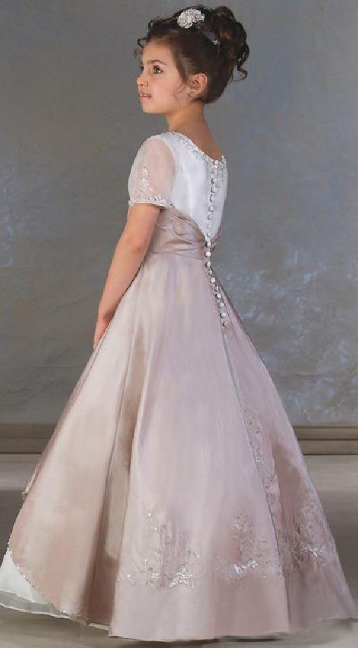 860024aca6 PRETTY TAFFETA VICTORIAN STYLE FLOWER GIRL BRIDESMAID DRESS EXQUISITE  DETAILING