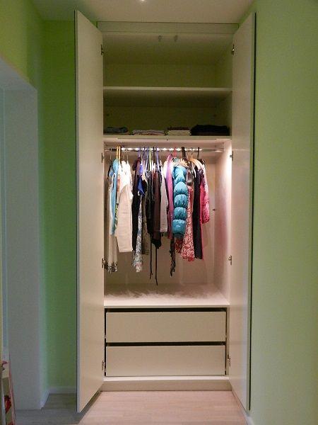 nischenschrank im eingangsbereich mit innenliegenden schubladen flur garderobe pinterest. Black Bedroom Furniture Sets. Home Design Ideas