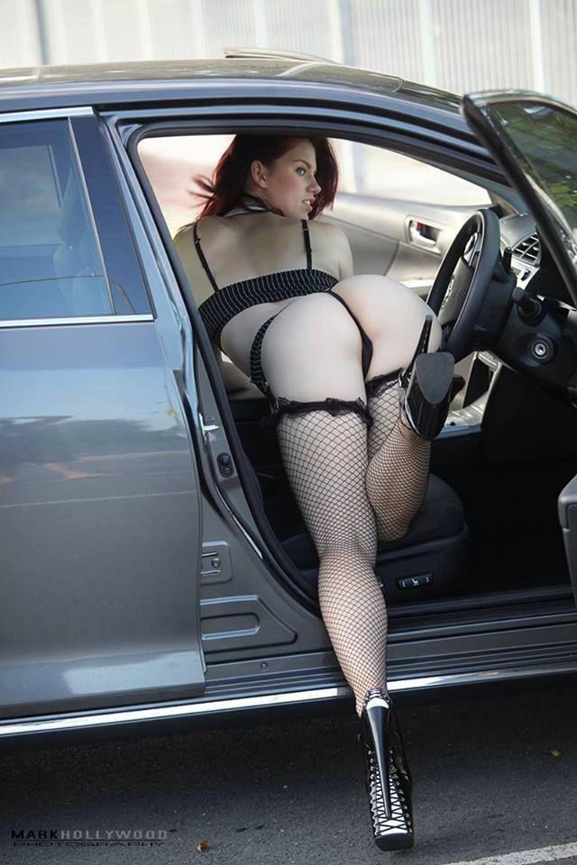 Hot limo fuck brunette gets cum on lips 4