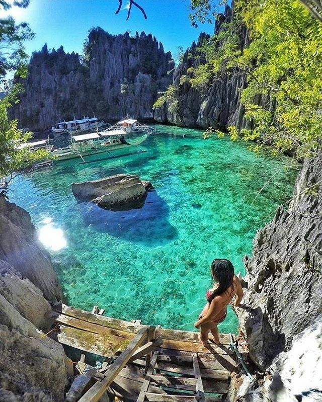 Did you know that #PHILIPPINES consist of some 7641 #islands? Have you ever dreamed of #IslandHopping between #ElNido and #Coron on #PalawanIsland best known for its white-sand #beaches and clearest waters with #CoralReefs perfect for #snorkeling? Make y