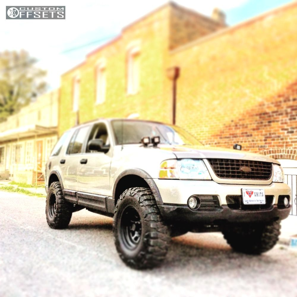 Ford Explorer Off Road Tires With 2003 Pro Comp Series 52 Btf