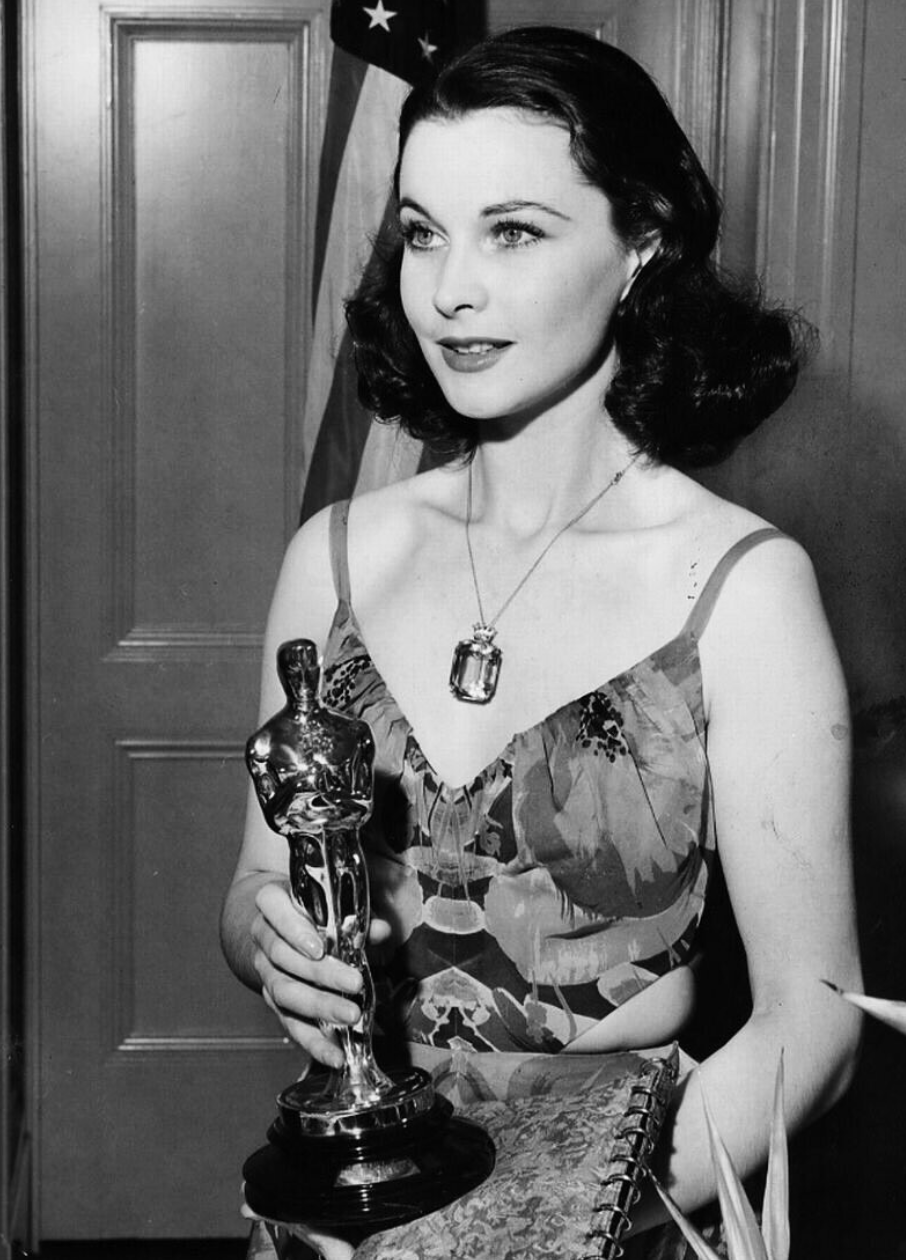 Oscar diva Vivien Leigh had everything: success, beauty ...Isabel Jeans And Vivien Leigh