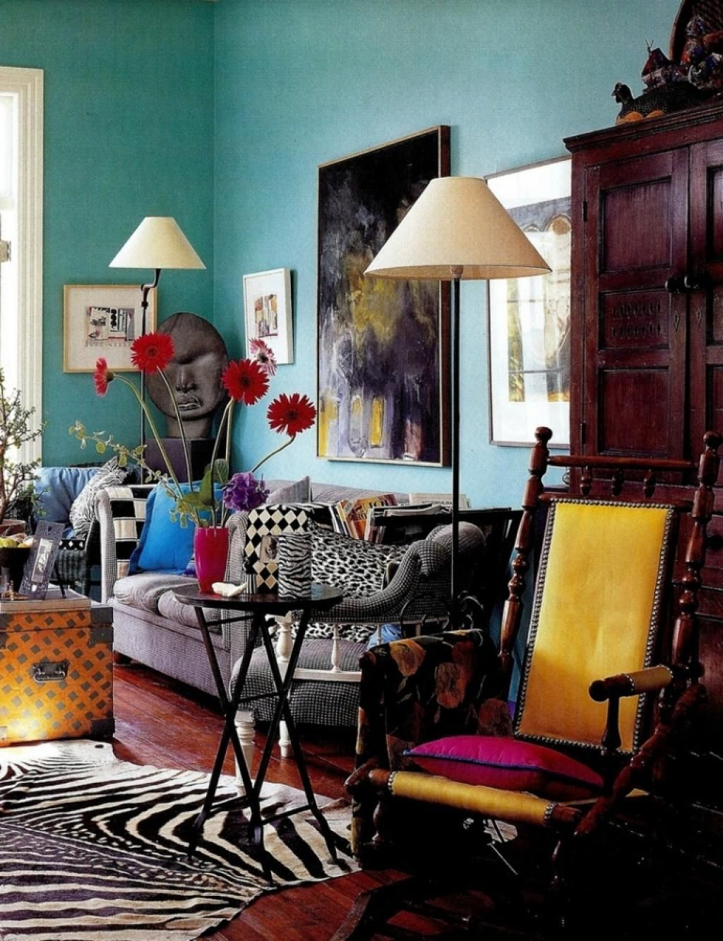 Eclectic Decor Blending Antique And Modern Items Living Room Decor Eclectic Modern Eclectic Living Room Retro Style Living Room