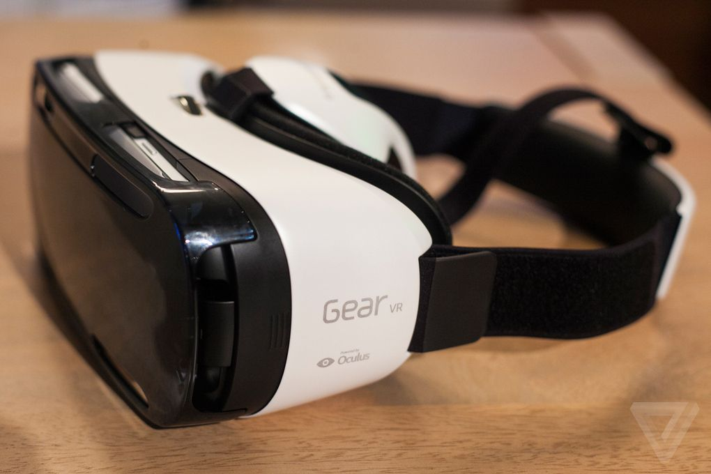 Samsungs Gear Vr Is A Portable Oculus Rift For The Galaxy Note 4