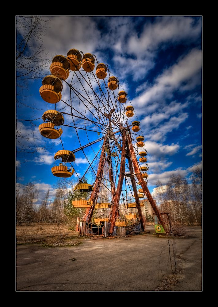 the-ferris-wheel-in-the-ghost-town-of-pripyat-near-chernobyl-by-timm-suess-on-flickr.jpg 711×1.000 piksel