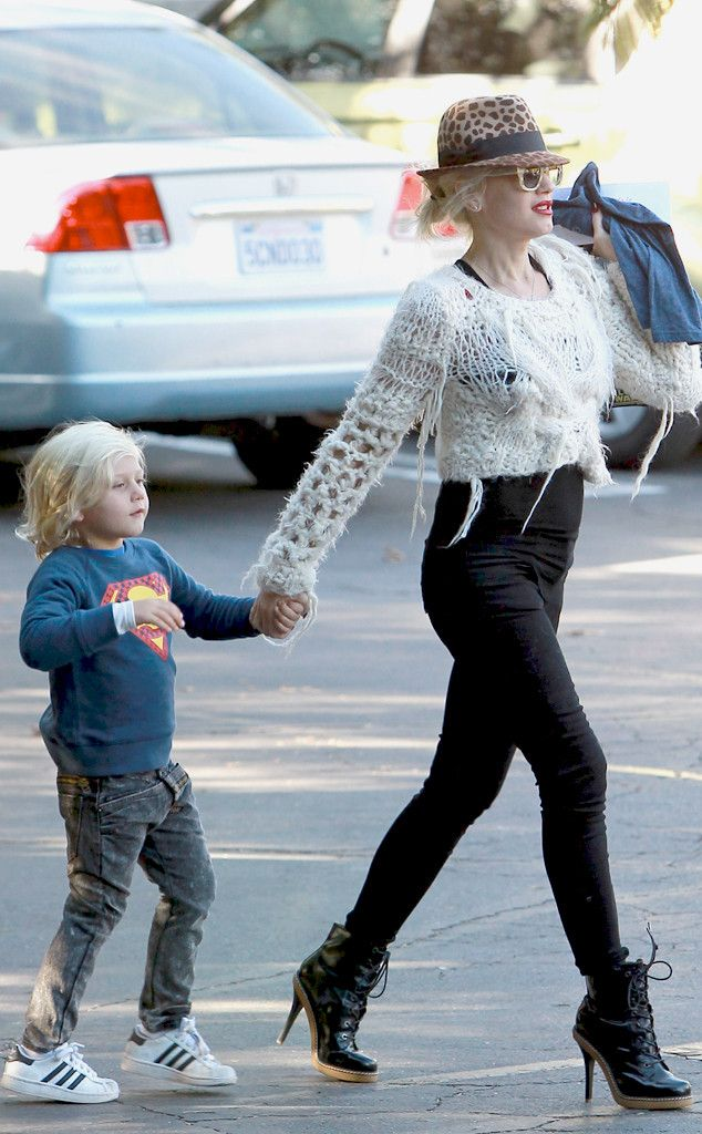411d5f329f0a Hats Off from Gwen Stefani's Pregnancy Pictures | Love Angel Music ...