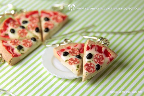 Pepperoni Pizza Slice Dangle Earrings Por Hummingbirdminiature