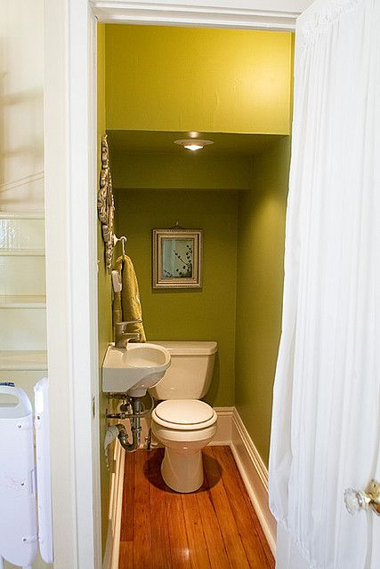 Best Color For Small Basement Bathroom