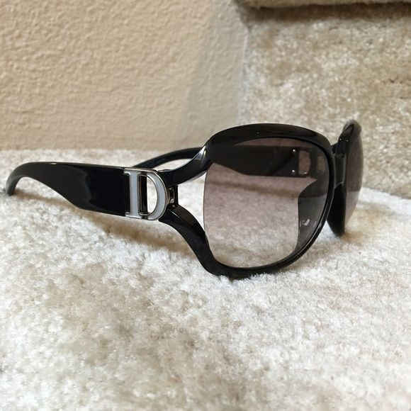 d8b0dfa86548 Selling this Authentic DIOR sunglasses black frames in my Poshmark closet!  My username is  audjene.  shopmycloset  poshmark  fashion  shopping  style  ...
