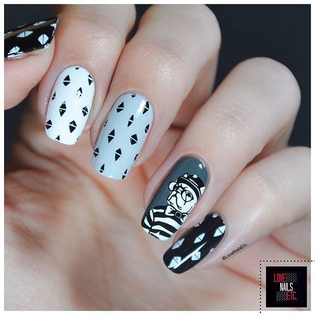 #StampingMaster Hipster Gray & White  @moyou_london hipster 12 @essence_cosmetics  #lovenailsetc#stampingnailart #moyoulondon#myl#moyoufan#gray#hipster#nails#nailart#stampingnailart #
