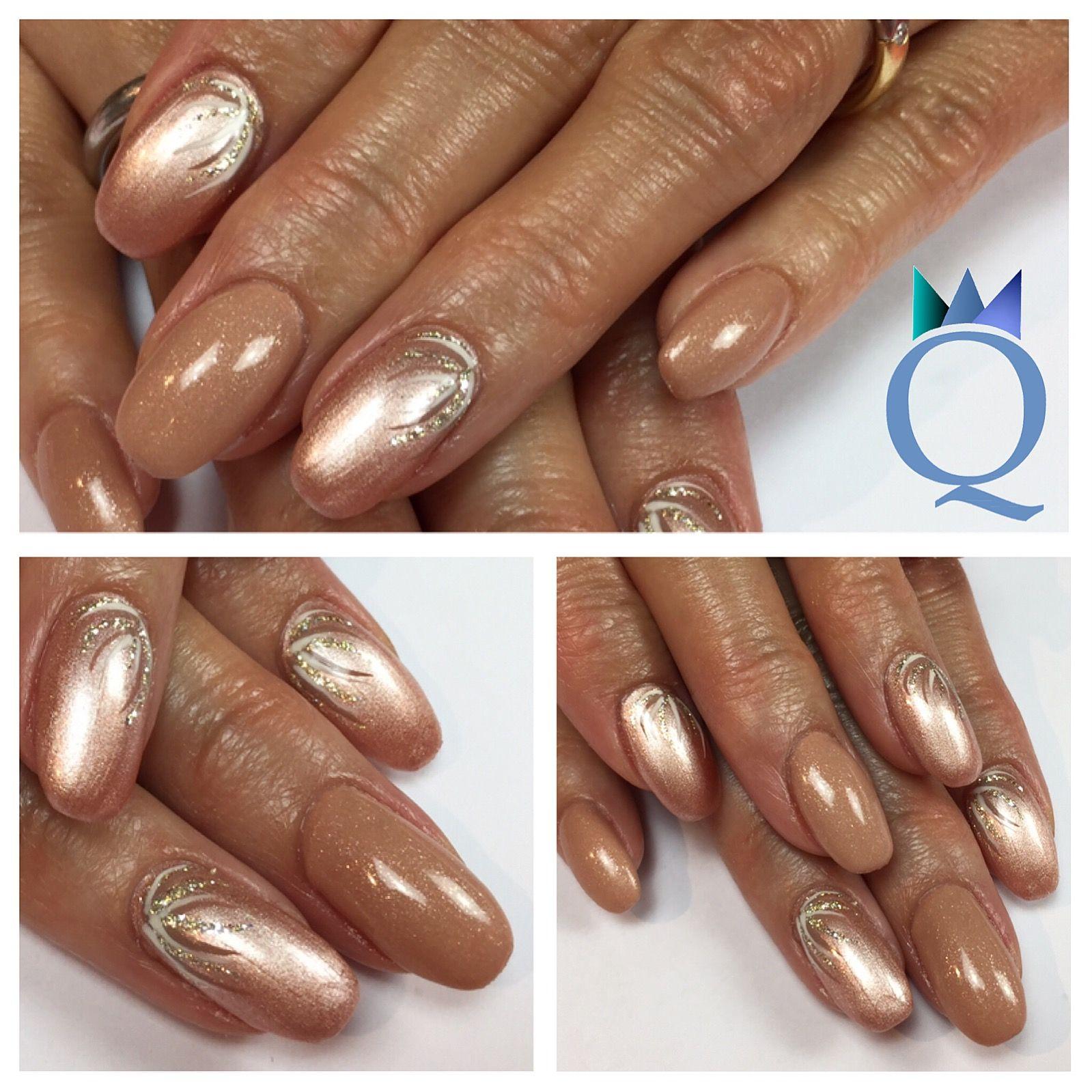gelnails #nails #beige #glitter #handpainted #nailart #gelnägel ...