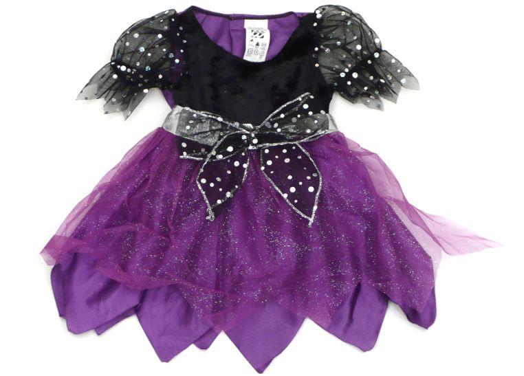 Dieses süße Feenkleid oder Hexenkleid für Mädchen ist mit vielen kleinen, liebevollen Details ausgestattet.