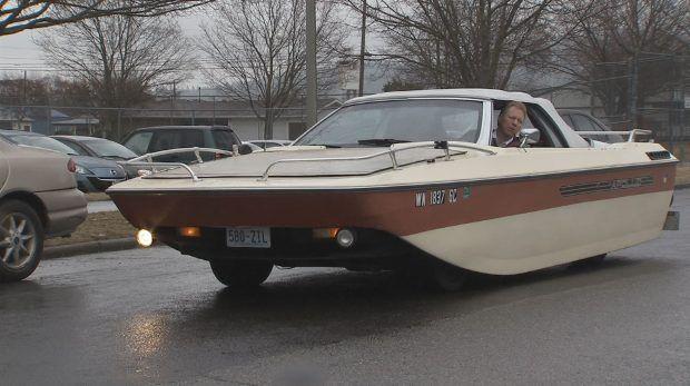car boat hybrid sails through spokane streets things that amuse me pinterest cars. Black Bedroom Furniture Sets. Home Design Ideas