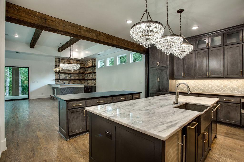 #dreamhome #interior #interiors #interiordesign #dfw #dallas #greenhome #customhome #architecture #kitchen #dreamkitchen #lighting #lightfixture #modern #design #moderndesign #kitchenisland #countertop #counters