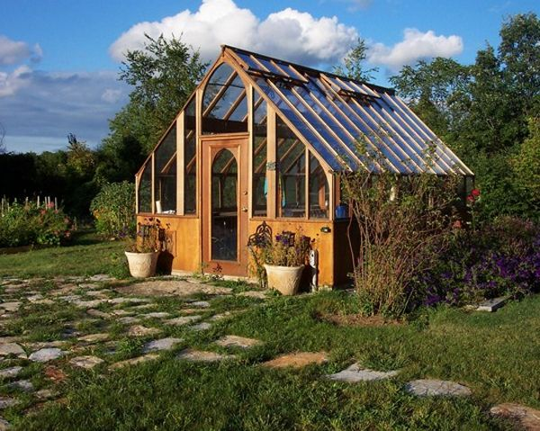 Modern green house design piippa greenhouses for Better homes and gardens greenhouse